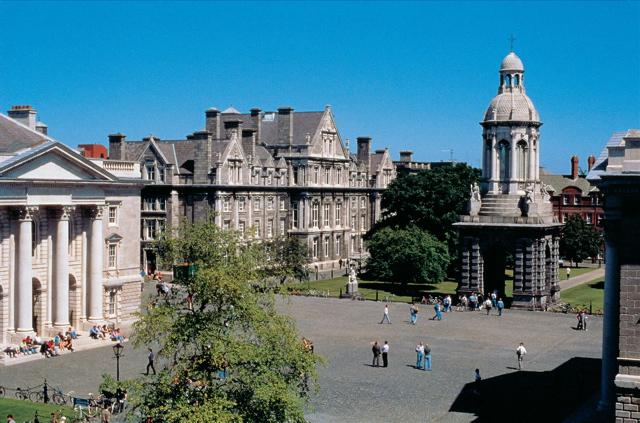 圣三一大学