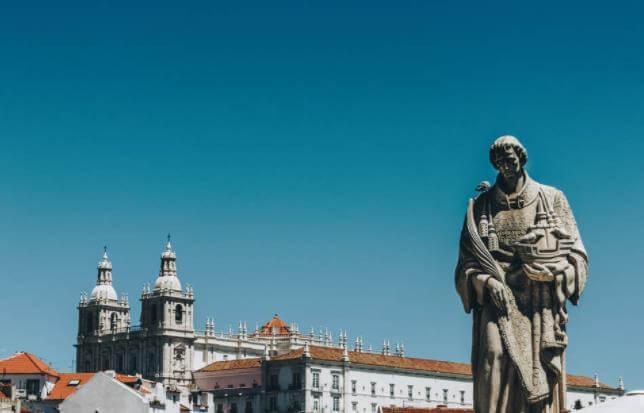葡萄牙买房如何贷款,中国人如何在葡萄牙买房?