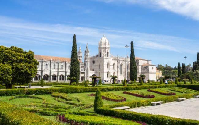 申请葡萄牙移民签证需要哪些材料?