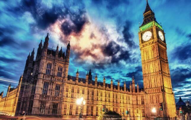 英国读研一年30万够吗,申请材料有哪些?