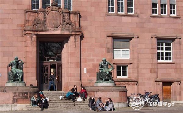 英国本科留学对语言有什么要求?